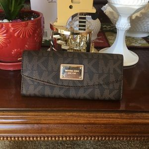 Beautiful full size Michael Kors wallet